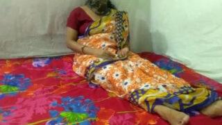 Neighbor village Bhabhi fucking porn video