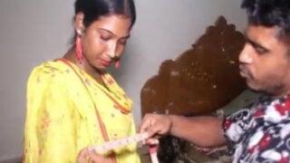 Village Bhabhi having sex with tailor video