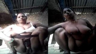 Busty Bihari village Bhabhi showing her assets on cam