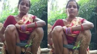 Odia village wife making her own pissing video