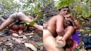 Village Randi caught fucking with her client in the jungle