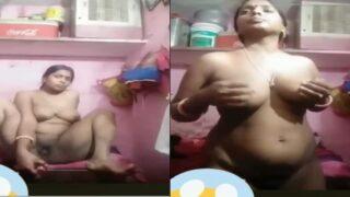Bihari village wife dildoing pussy on VC