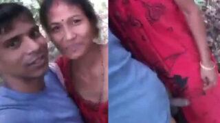 Naughty village wife handjob to Devar outdoors
